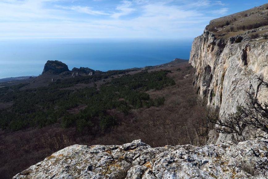 Вид с перевала на отторженец Биюк-Исар