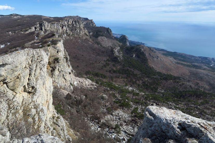 Вид с вершины Ат-Баш на восток