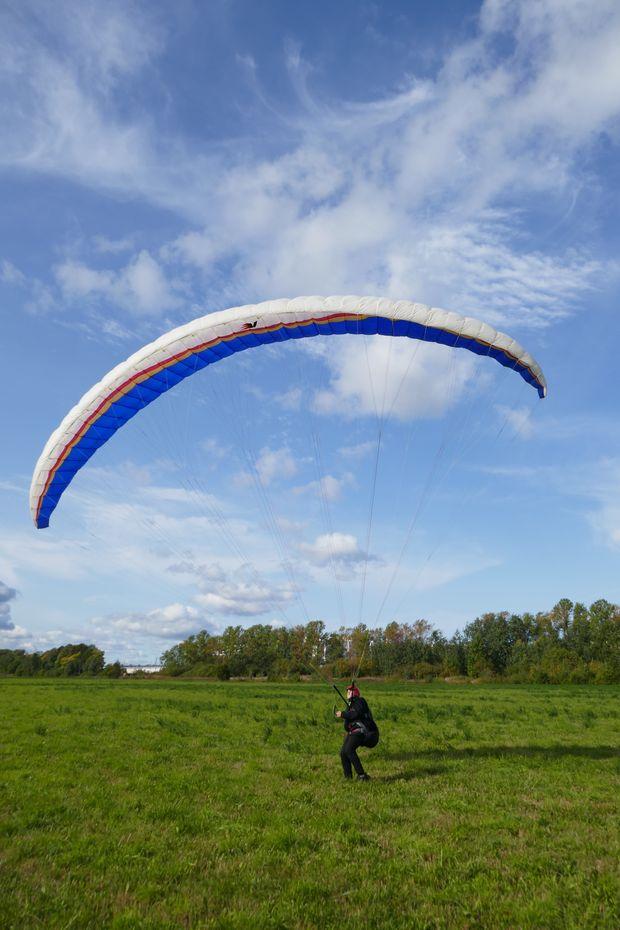 Ваня Зайцев поднимает крыло